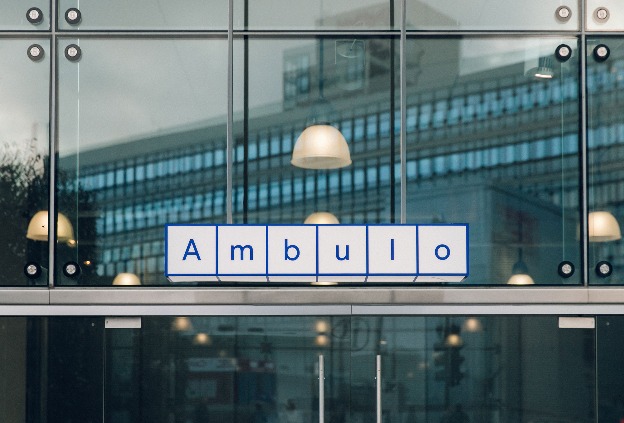 Ambulo sign photo